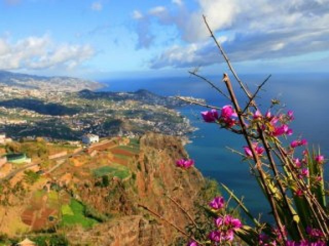 Fly away for Madeira from October 11th to 18th starting from 399€
